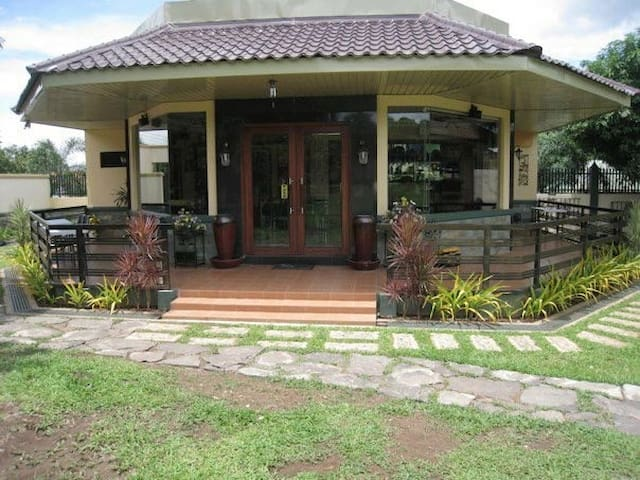 PAPAS GARDEN Peaceful Private Clean Cool Exclusive - Mariveles - Bed & Breakfast