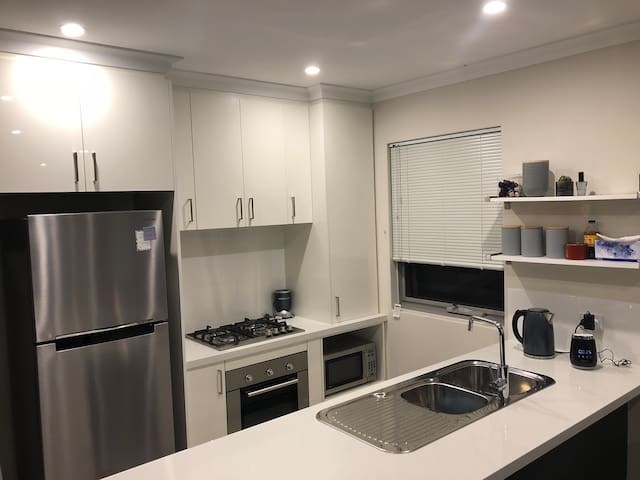 Warm, modern and cosy 2x1 apartment w/ amenities