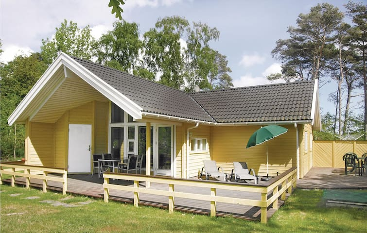 Holiday cottage with 2 bedrooms on 69m² in Nexø