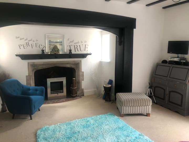 Listed building, large spacious 2 bedroom