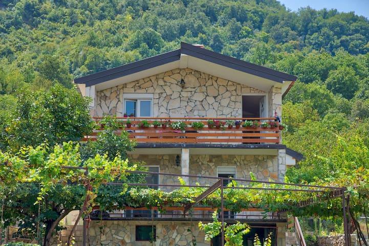 Villa Semeder 2