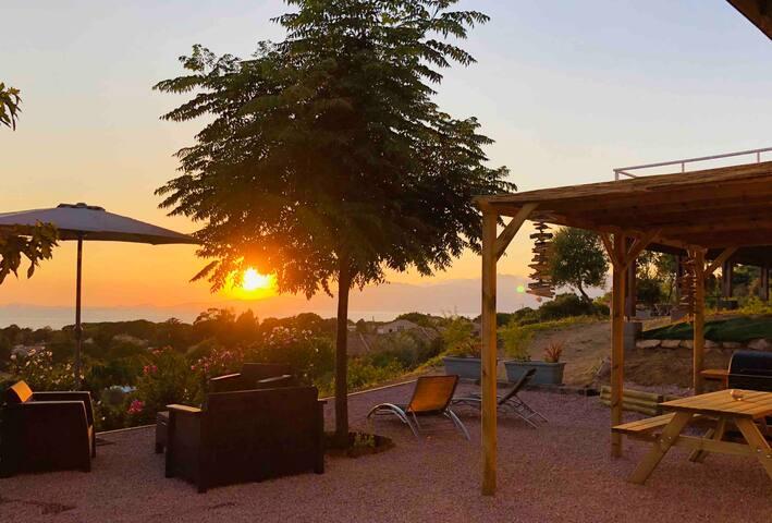 T3 avec jardin à Agosta plage vue mer panoramique