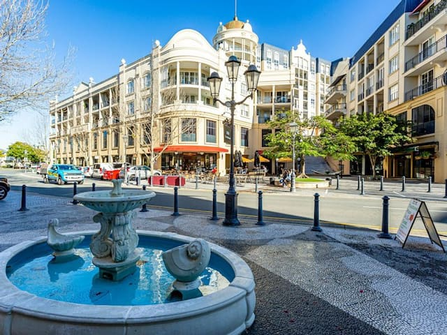 A Slice Of Europe In The Heart Of The Gold Coast