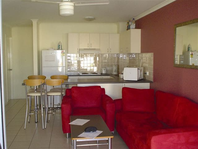 Sunshine Coast Affordable Xmas Apartment - Sippy Downs - Flat