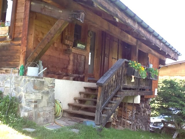 Studette dans chalet - Megève - House