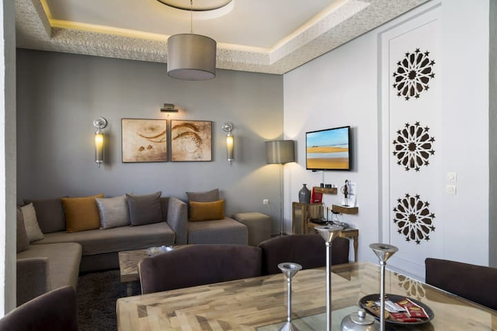 LES MIMOSAS LUXURY APARTMENT 50 M. FROM THE BEACH