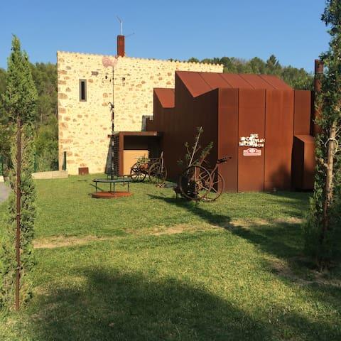 EL Molino Xirau_CostaBrava_Figueres - Girona - 통나무집