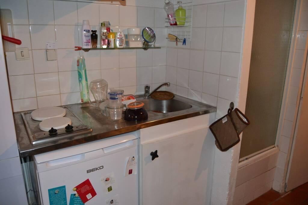 Cuisine Top evier plaques frigo