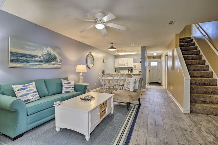 Chic Panama City Condo, 300-Foot Walk to Beach!