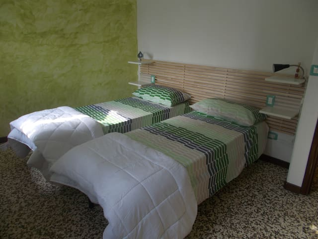 Camera Melograno - Bovecchio - Bed & Breakfast