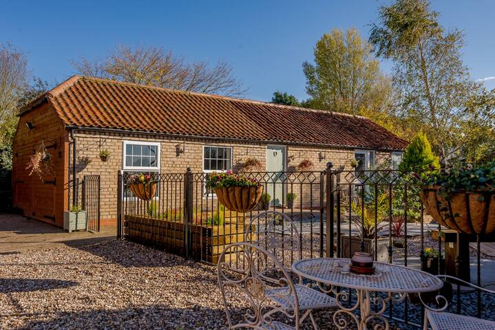 Private annexe in Lincolnshire Wolds.