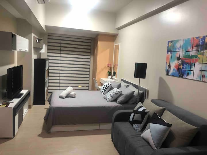 Spacious Studio Unit in Eastwood