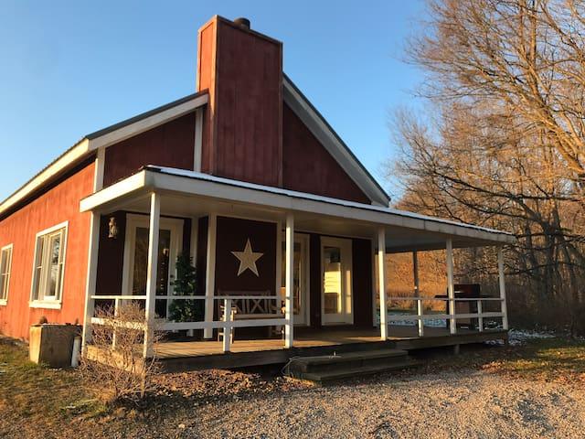 Mitchell Ponds Inne: The Cottage