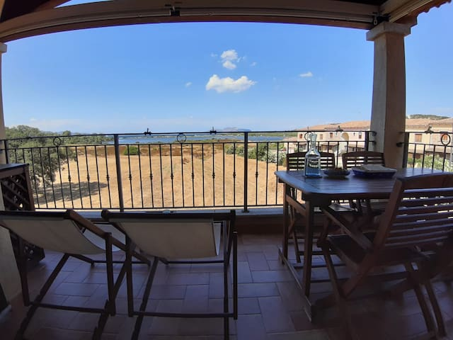 Beautiful apartment in Murta Maria by the sea
