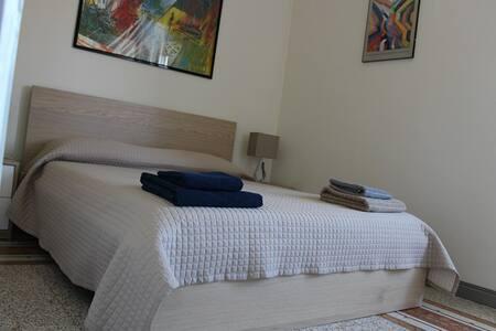 camera matrimoniale residenza spina - Campobasso