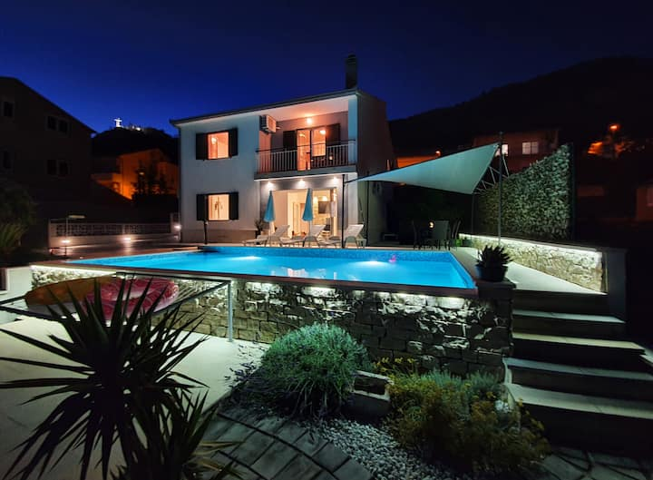 💠Villa with pool,tavern & superb view over Split