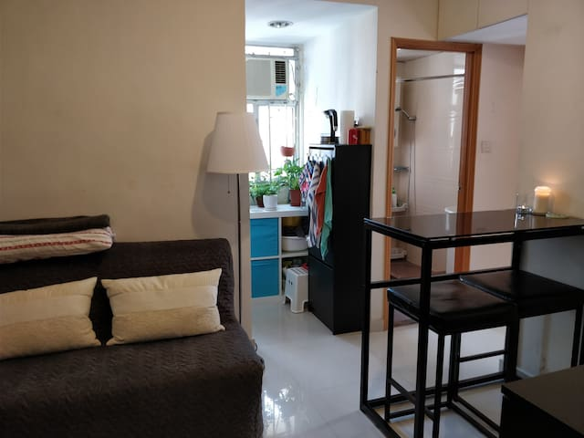 Single room across from Sai Ying Pun MTR station
