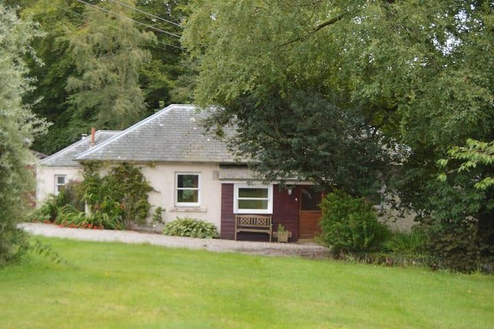Fuchsia Cottage - Glenfarquhar Lodge, Auchenblae