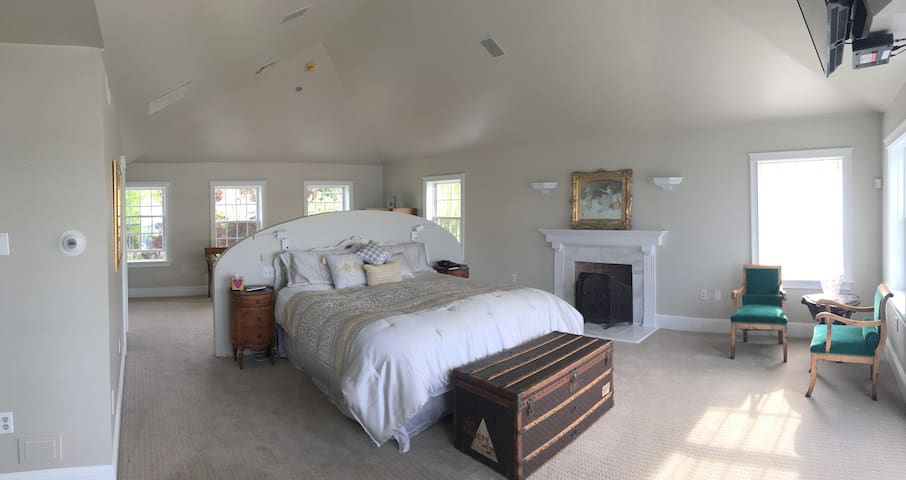 Luxurious Master Suite on the Bay(near Portsmouth) - Greenland