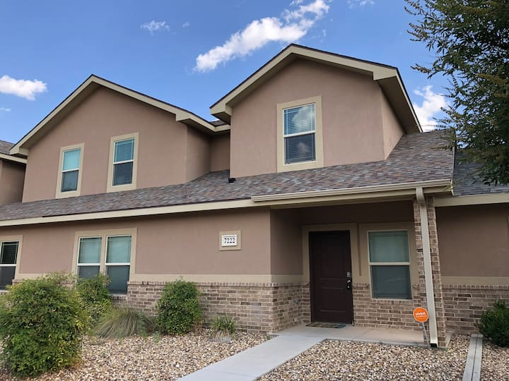 Private home in perfect location! Fully stocked!