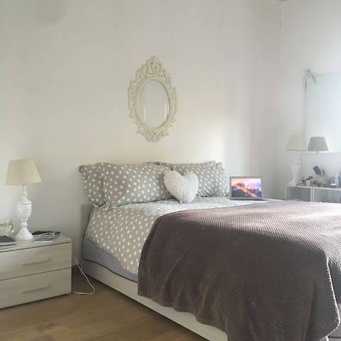 Gorgeous Room near Central station - Verona - Társasház
