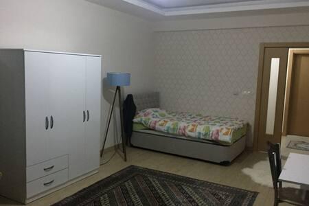 Meram'da konforlu temiz lüks bir ev