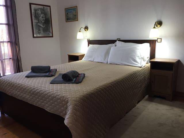Alexander Apartments 3