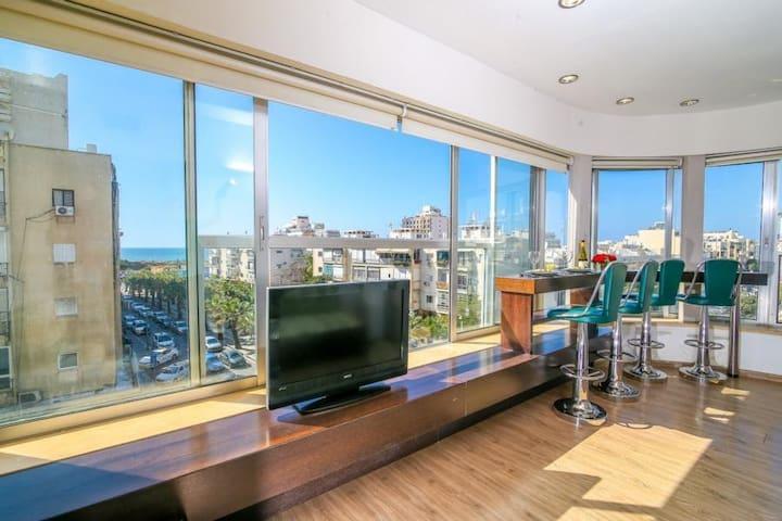 Sea View 1 bedroom prime location