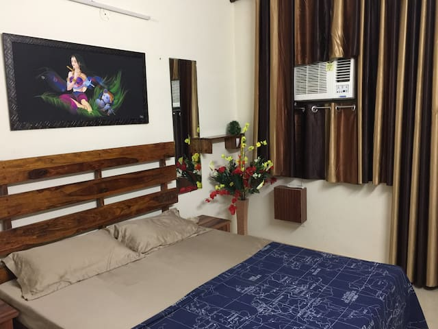 Suprior 2BHK Pvt. Apartment with AC, Kitchen, wifi