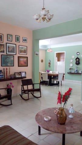 Cueva´s House v2 (near to Cuban Art Factory)