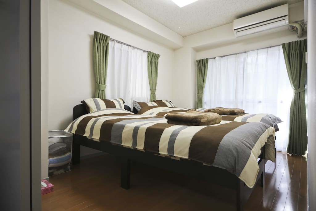 - 1 single and 1 semi double beds can be combined as 1 King wided size bed for 1 - 3 people. You can use as your preference
