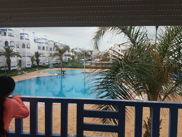 Smart house with swimming-pool in Sania plage