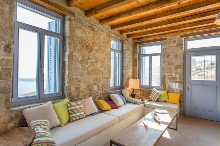 An Amazing Stone Villa-A in Serifos