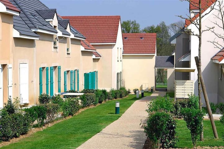 SLEEPING BEAUTY BRIGHT HOUSE 60m2 Close Disneyland - Magny-le-Hongre - House