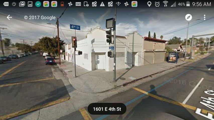 Make的小屋(地理位置好,交通方便,洛杉矶市中心,提供机场名牌店景点等接送,包车游玩等服务) - Los Angeles