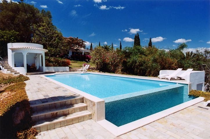 Luxury Villa Quiet Hilltop Pool - Odiáxere - Villa
