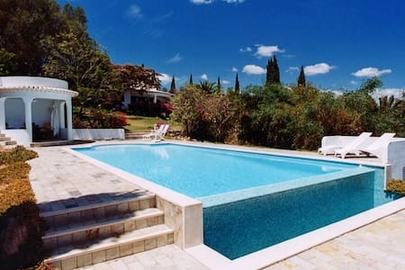 Luxury Villa Quiet Hilltop Pool - Odiáxere