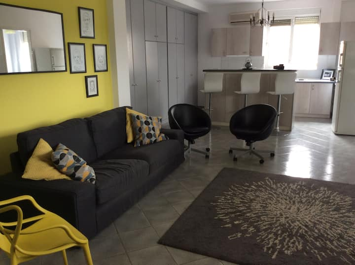 Modern, sunny apartment close to Athens airport