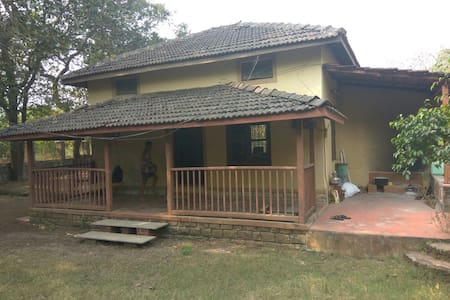 Portuguese Style open living Bungalow at Alibaug - Alibag - Ház