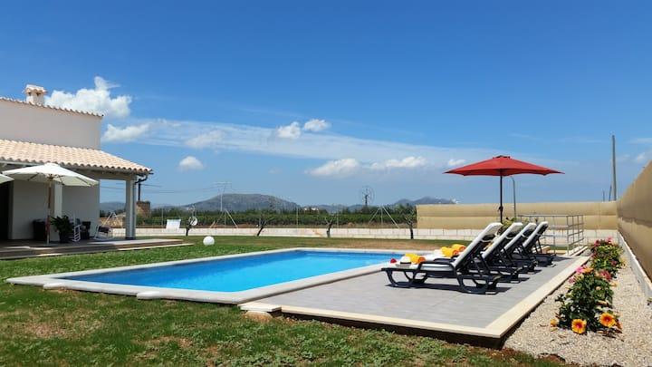 2KORTONS Villa with Swimming Pool