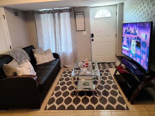 7min to Newark airport/Jersey Garden & Close to NY