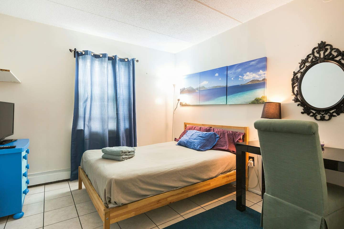 Full size bed, desk, tv, and window. Usb outlets available in the room for optimal phone charging.