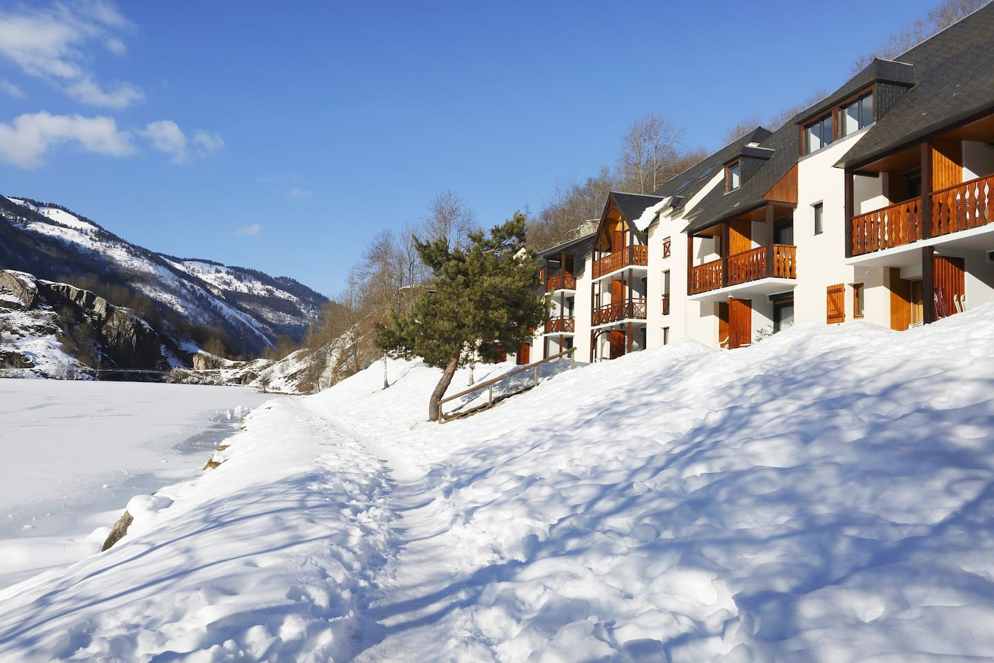 You will love to explore the Louron Valley from this prime destination.