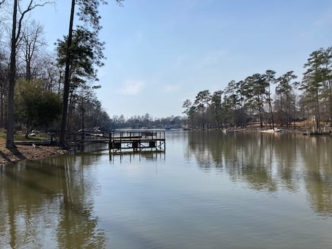 *NEW* Lake House Escape- Entire House w/dock on LM