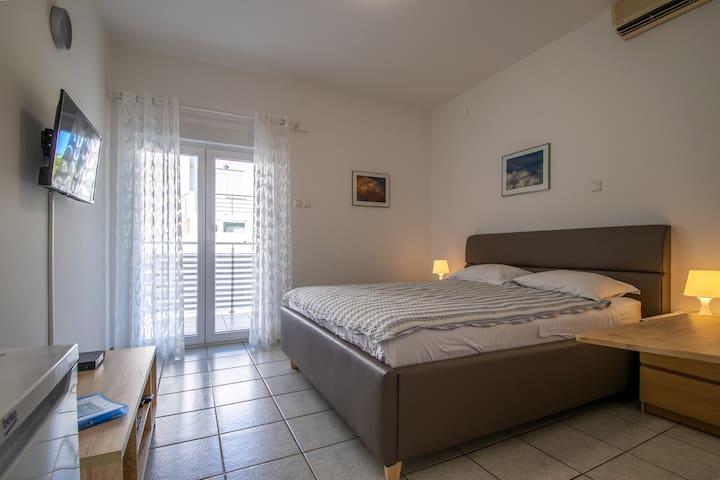 Apartments Lantina / Studio Apartment 2P /Apt 5