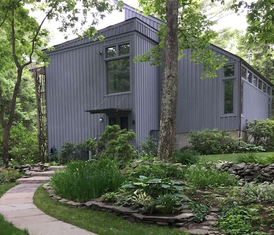 Perfect as Spring Arrives - Rhinebeck - Casa