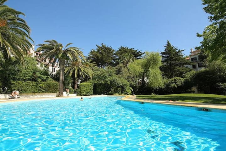 Estoril-beach,pool,wifi, gym,tenis - cascais