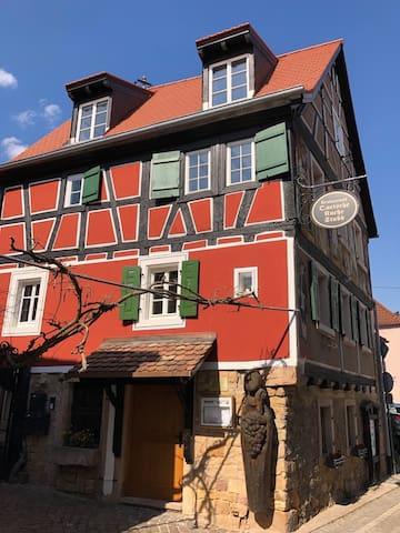 Liebevoll renovierte Dachgeschosswohnung