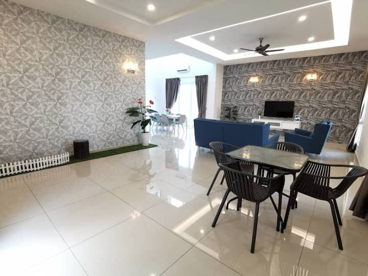 Klebang Bungalow Homestay 5 rooms for 12 pax