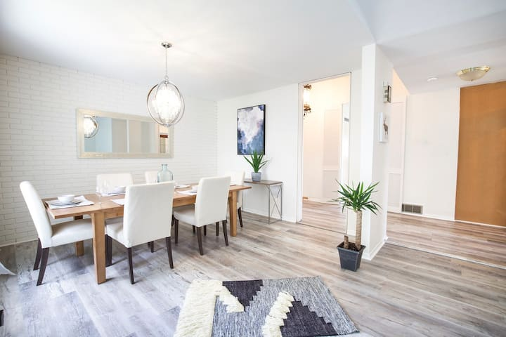 Family & Corporate Stay Home [3 Bdrms | 2.5 Bath]